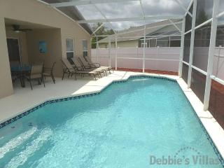 5 Bed villa refurbished 2011 close to theme parks - Clermont vacation rentals