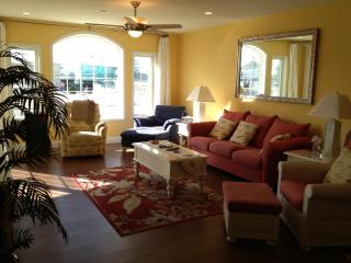 **Premier Condo - Ocean Views! POOL & 2 KING beds! - North Wildwood vacation rentals