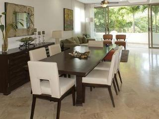 4ppl - Private Terrace on 5th Ave - Walk to Beach - Playa del Carmen vacation rentals