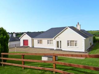 MEADOWS, all ground floor, multi-fuel stove, countryside views in Foulksmills, Ref 19344 - County Wexford vacation rentals