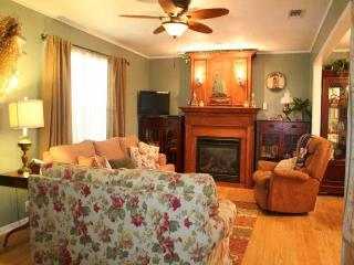 Among the Pecans- Hot Tub, Sleeps 8, Near Wineries - Texas Hill Country vacation rentals