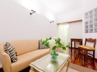 Montenapoleone apartment, sleeps 4 - Lombardy vacation rentals