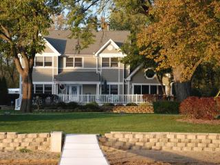 Beautiful Lakefront Home Powers Lake WI - Wisconsin vacation rentals