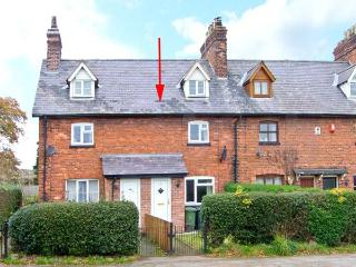 2 ORGANSDALE COTTAGES, pet-friendly cottage, with woodburner, and enclosed gardens, in Kelsall, Ref 19660 - Cheshire vacation rentals