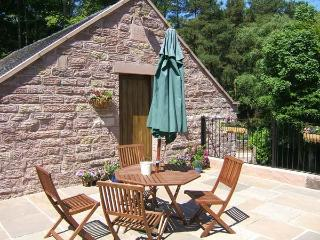 HEN CLOUD ANNEXE, rural setting, great for walking, ideal touring base, Upper Hulme near Leek Ref 20527 - Leek vacation rentals