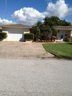 House Front View - Waterfront 2 Bedroom Home, Gulf of Mexico canal - New Port Richey - rentals