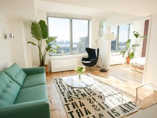 Luxury Chelsea 1-Bedroom with Panoramic Views - Manhattan vacation rentals