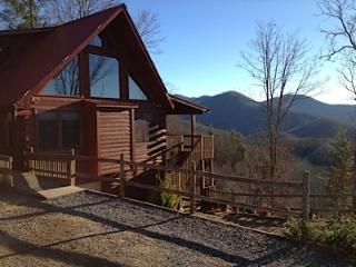 Sylva NC Luxury Log Home with Sauna Sleeps 12 - Kissimmee vacation rentals