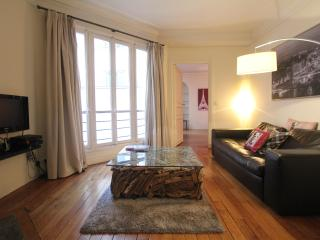 Tranquil One Bedroom on Rue du Louvre - Paris vacation rentals