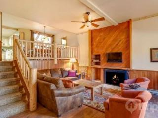 Large Private Indoor Hot Tub + Pool /Tub Complex Half Block Away - 100 Yds to Lift! - Breckenridge vacation rentals
