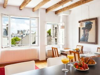 28. LARGE & CALM APARTMENT WITH GREAT CITY VIEWS - 5th Arrondissement Panthéon vacation rentals