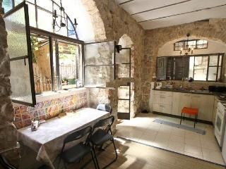 Authentic Studio Apartment in Nachlaot - Jerusalem vacation rentals