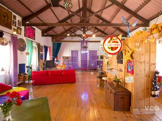 Santa Paula Loft for 8. Kaleidoscopic decoration - Seville vacation rentals