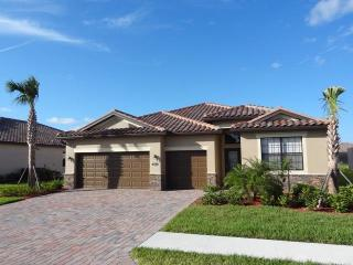 Elegant & Stylish 4/3 home in Copper Cove - CC3825 - Marco Island vacation rentals