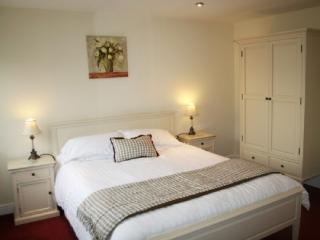MARINA APARTMENT, 1 bedroom, Carnforth, Lancashire Cumbria border - Carnforth vacation rentals