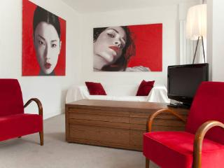 Beauchamp Place (two bedrooms) Knightsbridge, SW3 - London vacation rentals