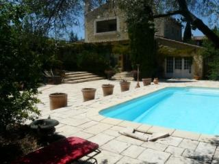 CHARMING COTTAGE IN THE HEART OF THE PROVENCE - Robion vacation rentals