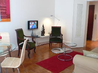 344 Two bedrooms   Paris Luxembourg district - Paris vacation rentals