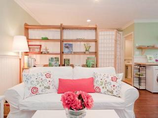 Garden Cottage Coach House - Awarded Certificate of Excellence 2014 by TripAdvisor! - Vancouver vacation rentals