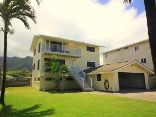 Pineapple HOUSE (4bed) = Sep-Oct Special 299/nt - Hauula vacation rentals