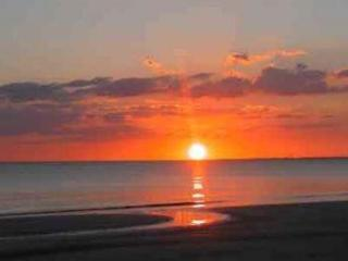 One Bedroom One Bath - Just Steps to the Beach. - Fort Myers Beach vacation rentals