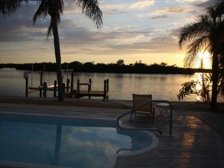 Island Ave Beauty On The Bay - Matlacha vacation rentals