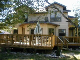 Harbor View on Castle Rock Lake, near WI Dells - Friendship vacation rentals