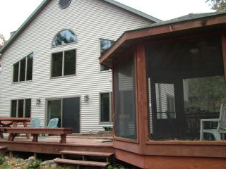 Lake Dance on Lake Arrowhead, near Petenwell Lake - Necedah vacation rentals