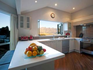 REMARKABLE VISTA - South Island vacation rentals