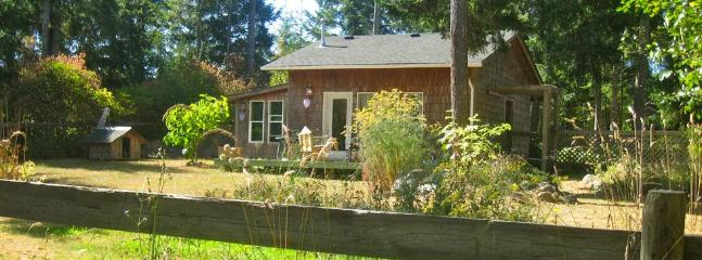 Honey Grove Cottage - Comox vacation rentals