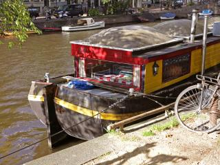 Friendship - cheap houseboat on city center canal - Barcelona vacation rentals