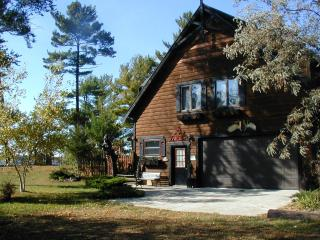 Valhalla on Castle Rock Lake, near WI Dells - Necedah vacation rentals