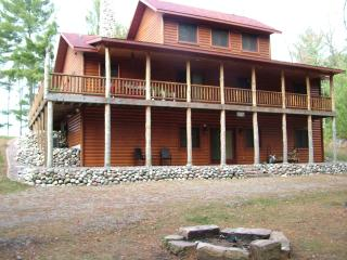 Sunset Bay on Castle Rock Lake, near WI Dells - Necedah vacation rentals