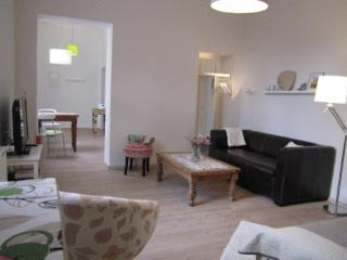 Vacation Apartment in Bonn - 387 sqft, quiet, modern, renovated (# 3330) - North Rhine-Westphalia vacation rentals