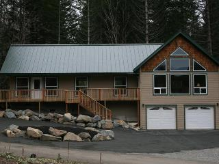 3+ bdrm/2 bath/2,184 sq. ft. w/view of Mt. Ranier - Packwood vacation rentals
