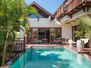 Villa Karma Manis with beach access,gym,spa. - Nusa Dua Peninsula vacation rentals