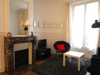 Quiet 2BR near the rue de Buci and Pont Neuf - Paris vacation rentals