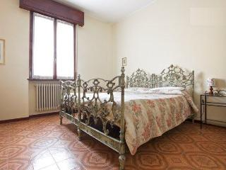 Apartment close to Parco Ducale/Ospedale Maggiore - Parma vacation rentals