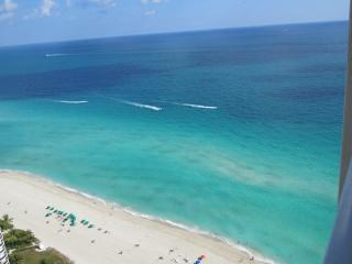 Luxury Oceanfront/High floor/Sleeps 6/Large Condo - Sunny Isles vacation rentals