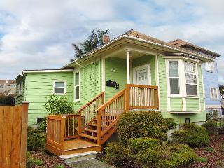 7 Min to Seattle's Attractions...Renovated 1 Bedrm - Seattle Metro Area vacation rentals