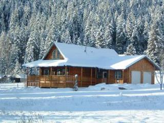 Luxury Log Retreat - North Cascades Area vacation rentals