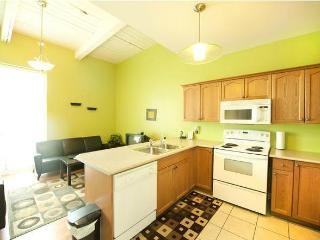 Superior 1 - 20 minute Walk to the Falls! - Niagara Falls vacation rentals