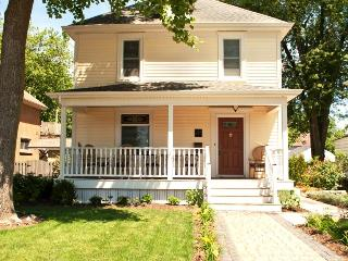 Waterfront Retreat - Walk to the Canal! - Niagara Falls vacation rentals