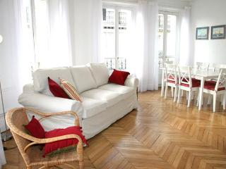 Sunny 2BR in Saint Germain des Près - Paris vacation rentals