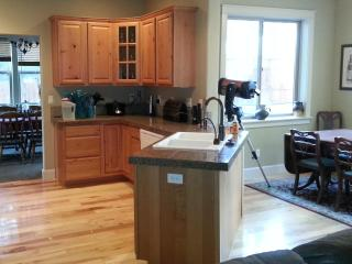 2006 spacious home, pet friendly, easement to BLM - Sunriver vacation rentals