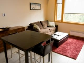 Dining & Living - Kookaburra Village Center - 403 - Sun Peaks - rentals