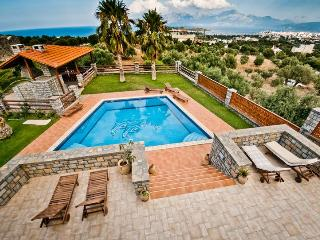 4 bedroom Villa Theano in Agios Nikolaos - Agios Nikolaos vacation rentals