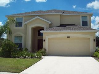 NEW! 6 BED 4.5 BATH HOME WITH PRIVATE POOL & SPA, 2 MASTER SUITES - SLEEPS 12 - Davenport vacation rentals