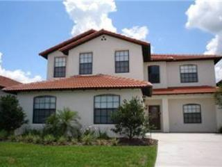 5 BED 3.5 BATH UPSCALE HOME WITH PRIVATE POOL AND SPA - SLEEPS 12 - Clermont vacation rentals