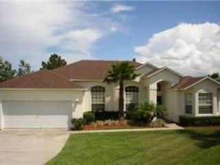 4 BED 3 BATH HOME WITH PRIVATE POOL & SPA - IN GATED GOLF RESORT COMMUNITY - Davenport vacation rentals